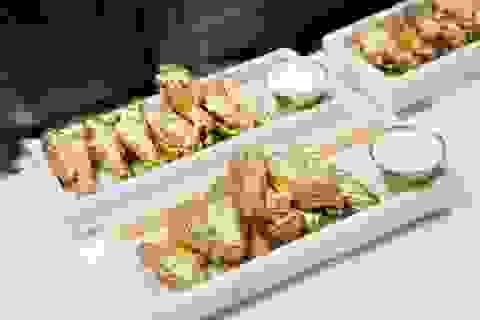 Nhà hàng New York phục vụ cánh gà mạ vàng 24k