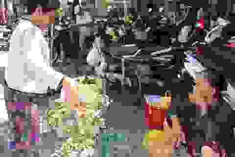 Đà Nẵng: Nhộn nhịp chợ Tết Đoan Ngọ
