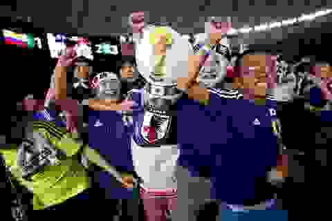 Cổ động viên Nhật Bản phấn khích sau chiến thắng trước Colombia