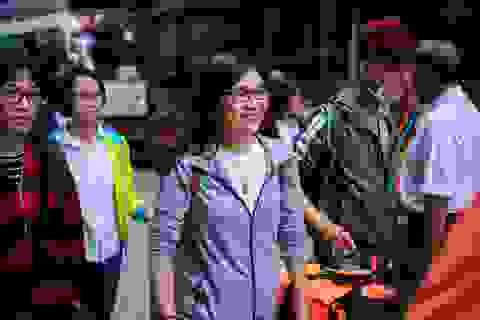 Chùm ảnh: Giảng viên đại học hớn hở lên đường làm nhiệm vụ coi thi