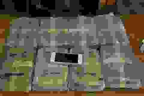 Khởi tố kẻ ôm bao tải chứa gần 48 ngàn viên ma túy qua biên giới