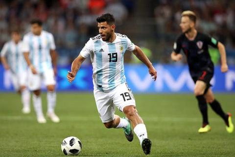 """Nổi loạn bất thành, Aguero bị """"trảm"""" ở đội tuyển Argentina"""