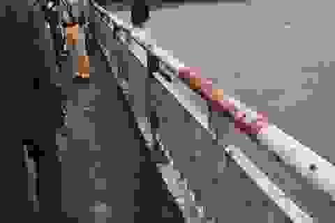 Hà Nội: Giải cứu người phụ nữ đòi nhảy cầu Chương Dương xuống sông Hồng