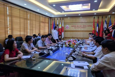 Thứ trưởng Phạm Mạnh Hùng kiểm tra công tác thi tại Phú Thọ