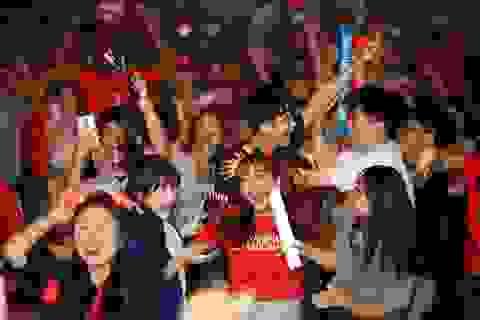 Người Hàn Quốc đổ ra đường ăn mừng chiến thắng trước Đức