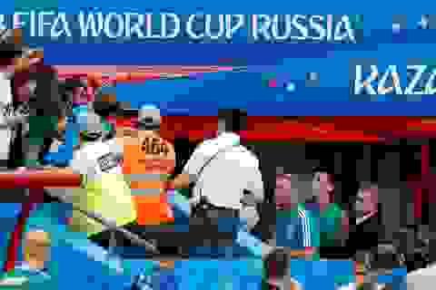 Mesut Ozil cãi nhau với cổ động viên Đức sau khi thua sốc