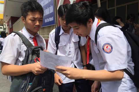 Gợi ý giải đề Toán thi lớp 10 của TPHCM