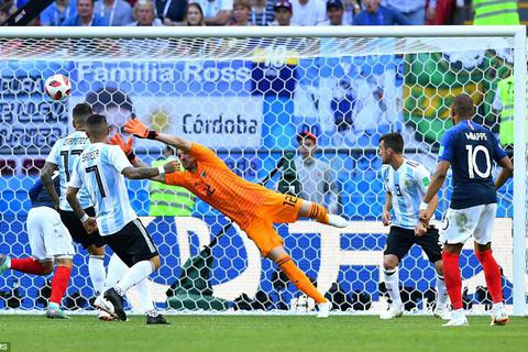 """""""Chìa khóa vàng"""" giúp Pháp xuất sắc đánh bại Argentina"""
