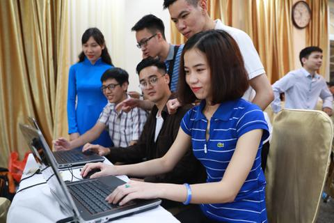 Sinh viên Việt Nam hoàn toàn không thua kém bạn bè thế giới