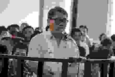 """Một nhà báo thoát tội trong vụ """"chạy án"""" cho đàn em Năm Cam"""