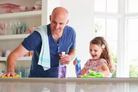 """Sống """"siêu sạch"""" sẽ kích hoạt bệnh bạch cầu cấp ở trẻ"""