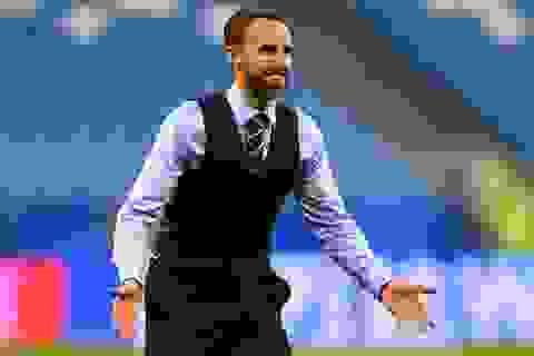 Trước thềm bán kết World Cup, áo gi-lê nam cháy hàng tại Anh