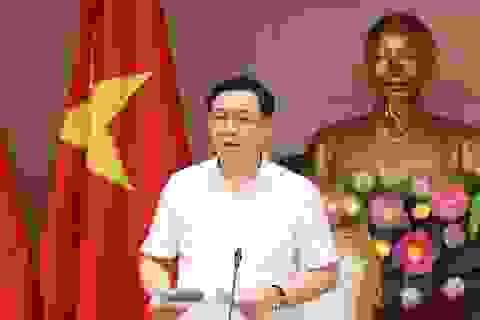 Phó Thủ tướng phê bình Bộ Giao thông tăng vé tàu hoả, máy bay, xe buýt