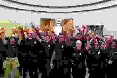 """Cảnh sát Mỹ tham gia thách thức hát nhép gây """"bão"""" mạng"""
