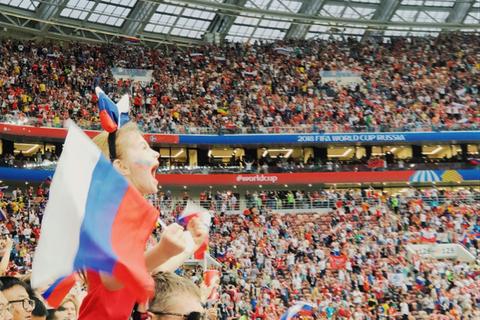 """Theo chân Travel Blogger """"săn""""  khoảnh khắc World Cup tuyệt vời"""