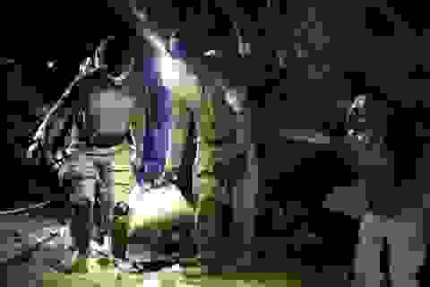 Cận cảnh khoảnh khắc đặc nhiệm Thái Lan giải cứu đội bóng nhí khỏi hang