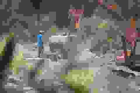 Vụ chở đất đá sét lậu ra khỏi mỏ chưa hoàn thiện thủ tục: Yêu cầu tạm dừng khai thác!