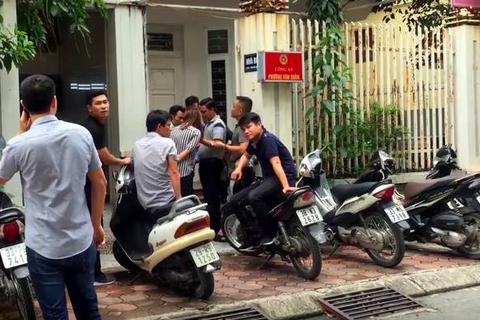 Chủ tịch Hà Nội yêu cầu công an làm rõ vụ 2 phóng viên bị hành hung