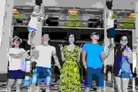 Anh em Quốc Cơ – Quốc Nghiệp tận hưởng kỳ nghỉ hạnh phúc bên gia đình