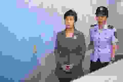 Ngồi nhà lao, cựu Tổng thống Hàn Quốc tiếp tục lĩnh thêm 8 năm tù