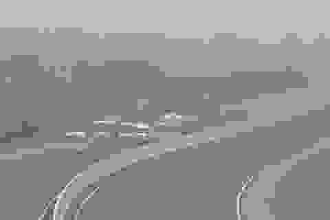 Truy phạt 3 xe khách dàn hàng trên cao tốc Hà Nội - Hải Phòng
