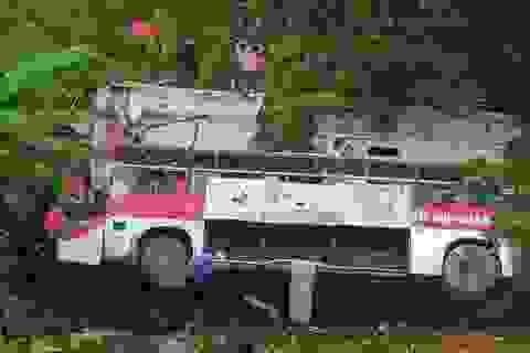 Xe khách lao xuống vực, 4 người tử vong
