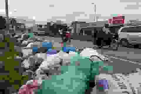 """Vụ người dân """"phong tỏa"""" bãi rác: Cả huyện ngập rác"""