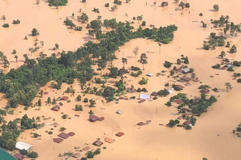 Dùng trực thăng giải cứu 26 công nhân Việt Nam mắc kẹt do vỡ đập thủy điện Lào