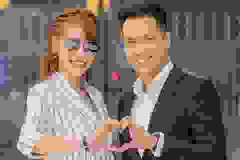 Quế Vân - Việt Anh cùng nhau đi xem phim giữa ồn ào tình cảm
