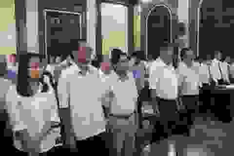 Nguyên Chủ tịch HĐQT ngân hàng MHB cùng 16 đồng phạm hầu tòa