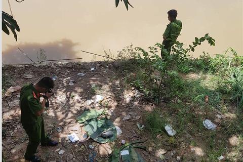 Hai phụ nữ nghi nhảy sông, bỏ lại thi thể bé trai trên bờ