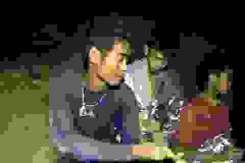 Đội bóng Thái Lan lấy tay cào bùn để mở đường sống trong hang