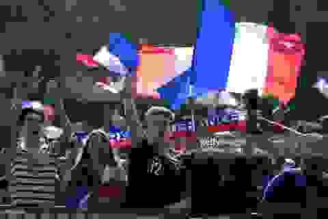 Paris mở hội mừng đội tuyển Pháp vào bán kết World Cup 2018