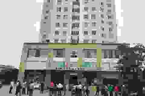 Rơi từ tầng 10, người phụ nữ 60 tuổi tử vong tại chỗ