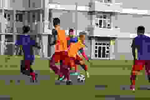 """Olympic Việt Nam hào hứng """"luyện công"""", sẵn sàng đấu Nepal"""