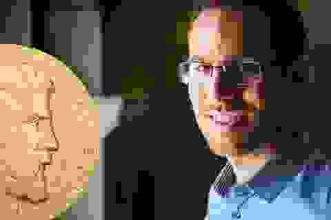 Chủ nhân tấm huy chương Fields danh giá từng suýt theo ngành… văn học