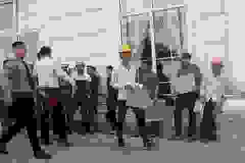 Công trình xây dang dở, công nhân khốn đốn vì bị nợ lương