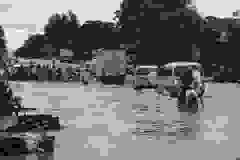 Mưa lớn, quốc lộ 48 ngập lụt nghiêm trọng
