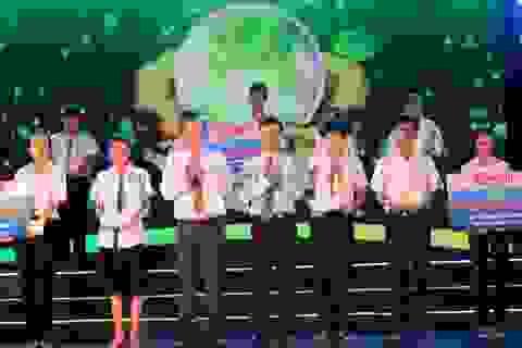 """Quỹ """"Hạt giống Việt"""" trao 1.300 suất học bổng tặng học sinh nghèo hiếu học ĐBSCL"""