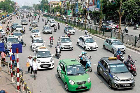 """Hiệp hội taxi đặt nghi vấn về khả năng Bộ trưởng Nguyễn Văn Thể """"bị qua mặt"""""""