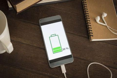Smartphone nào có tốc độ sạc pin nhanh nhất hiện nay?