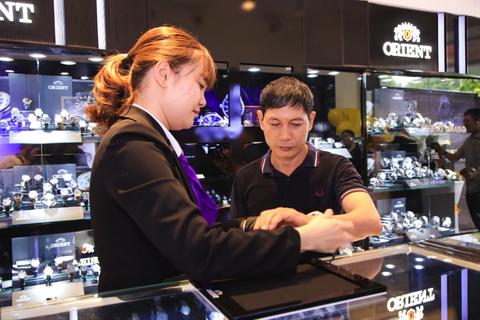 Tập đoàn Seiko Epson khai trương showroom Orient thứ 2 tại Việt Nam