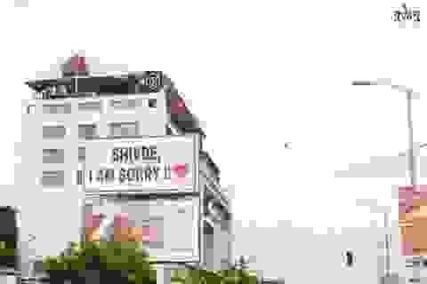 Thanh niên chiếm dụng hơn 300 biển quảng cáo để đăng lời xin lỗi bạn gái