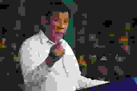 Nghi bị CIA nghe lén, Tổng thống Philippines tính bỏ điện thoại thông minh