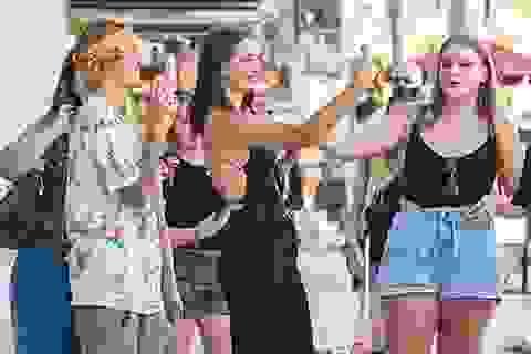 Justin Bieber thân thiện với fans