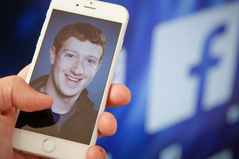 "Vì sao Facebook ""vượt mặt"" Google?"