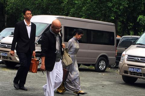 Vợ chồng ông chủ cà phê Trung Nguyên lần đầu đến tòa, thuận tình ly hôn