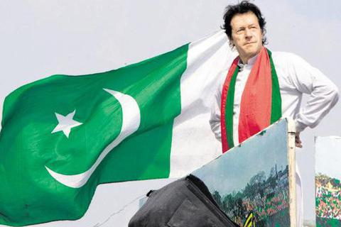Pakistan bầu thủ tướng mới, Trung Quốc cho vay 2 tỷ USD
