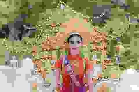 Phan Thị Mơ diện quốc phục nặng 15kg lấy ý tưởng từ Chùa Một Cột