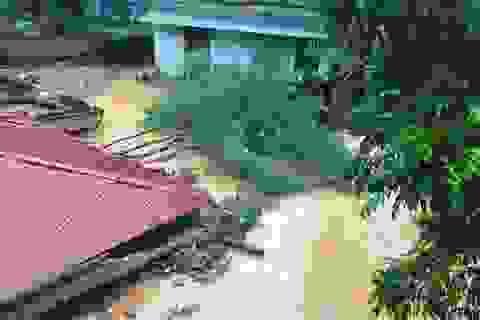 Thanh Hóa: Mưa lớn gây sạt lở đất, vùi lấp nhiều phòng học